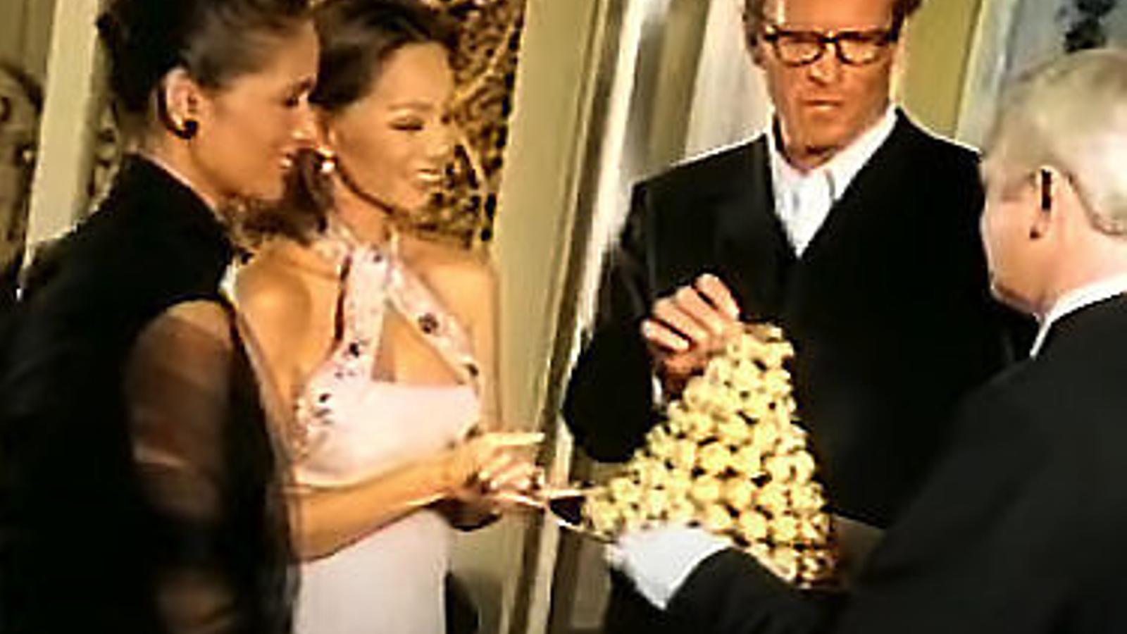 Els anuncis De la nostra vida Ferrero Rocher,  Quin mal gust!