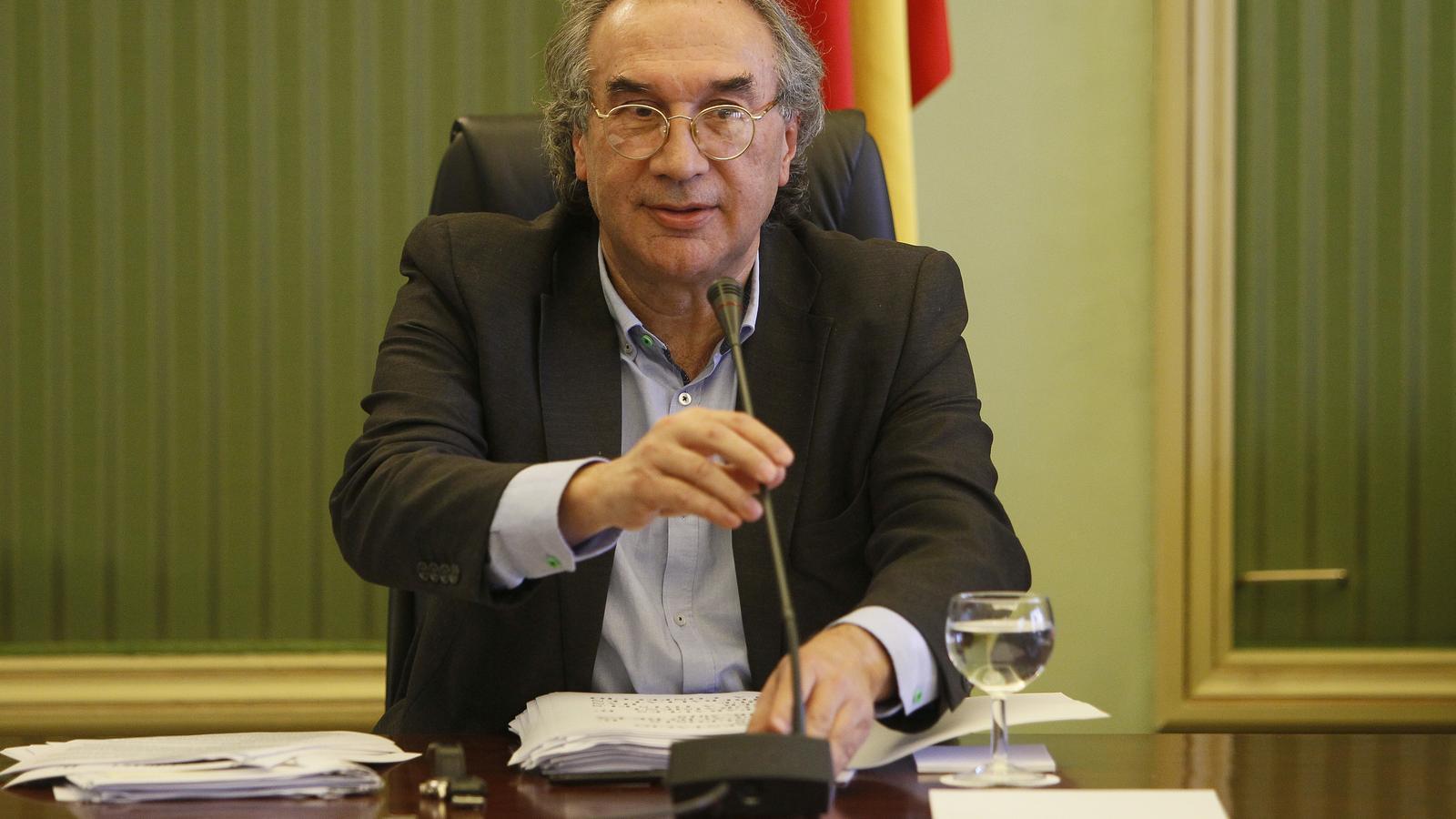 El conseller d'Educació i Universitat, Martí March, durant la seva compareixença.