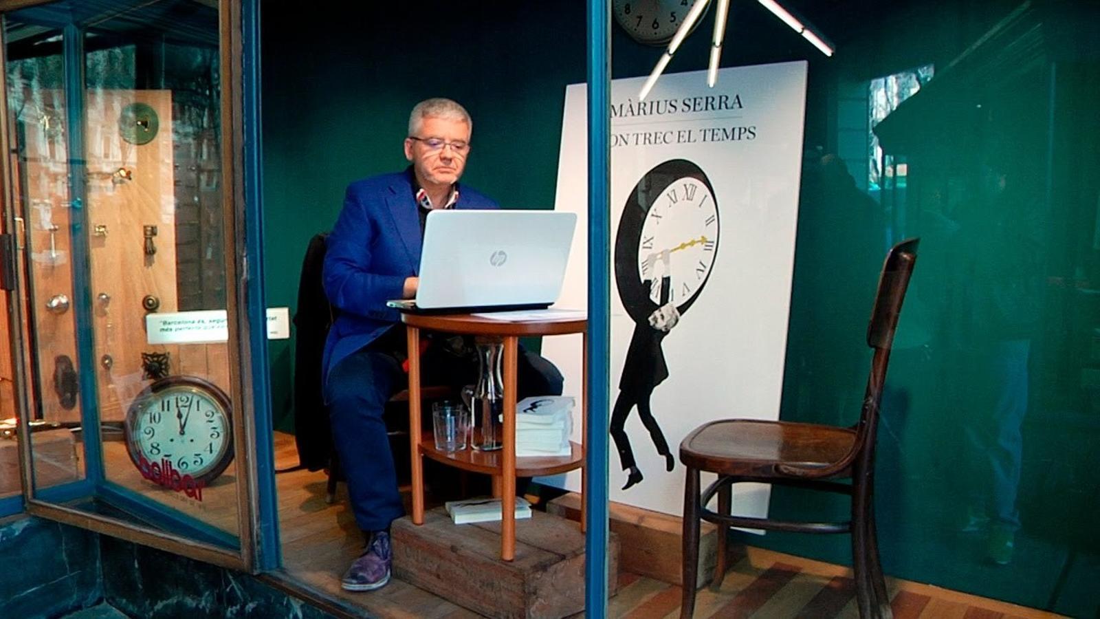 """Màrius Serra: """"Cada matí, quan em llevo, tinc la meva lluita amb el temps"""""""