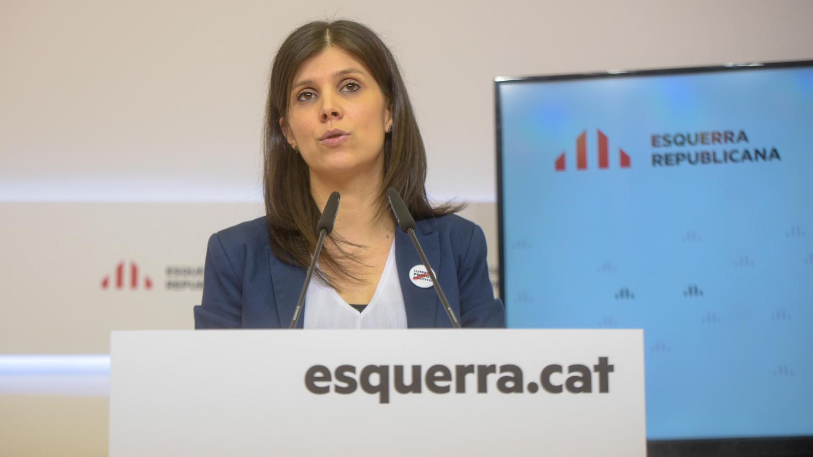 La secretària general adjunta d'ERC, Marta Vilalta, aquest dilluns en roda de premsa.