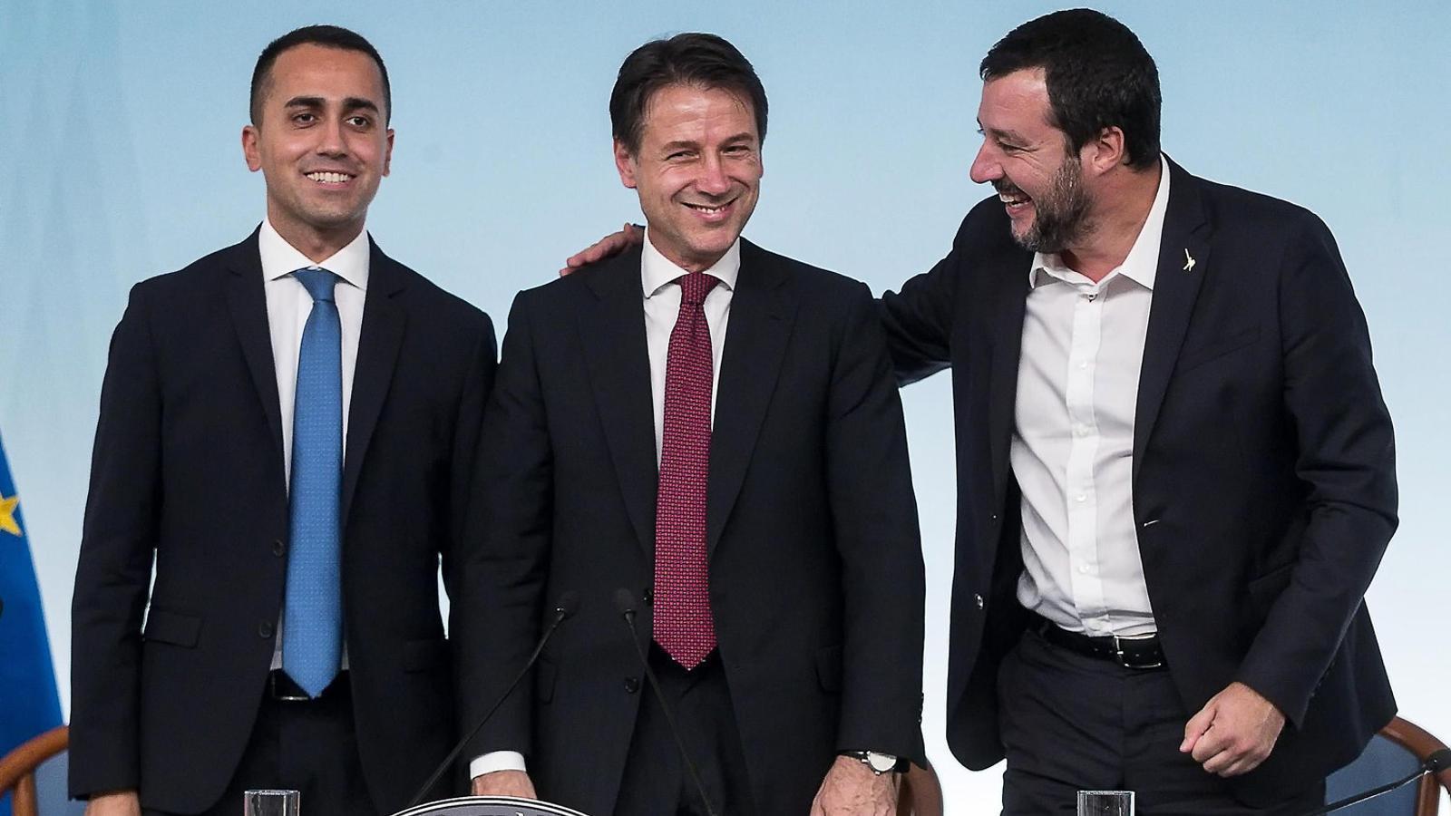 El primer ministre italià, Giuseppe Conte (a l'esquerra), amb Matteo Salvini, líder  de la Lliga.
