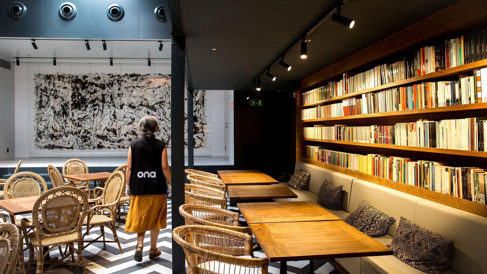Un nou monument al llibre en català