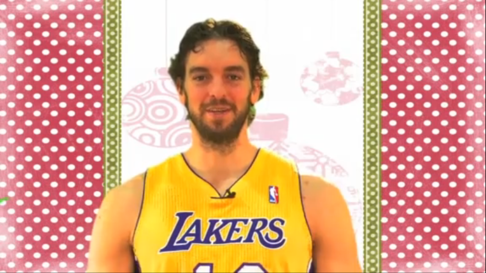 Pau Gasol s'entrebanca amb 'Jingle bells'