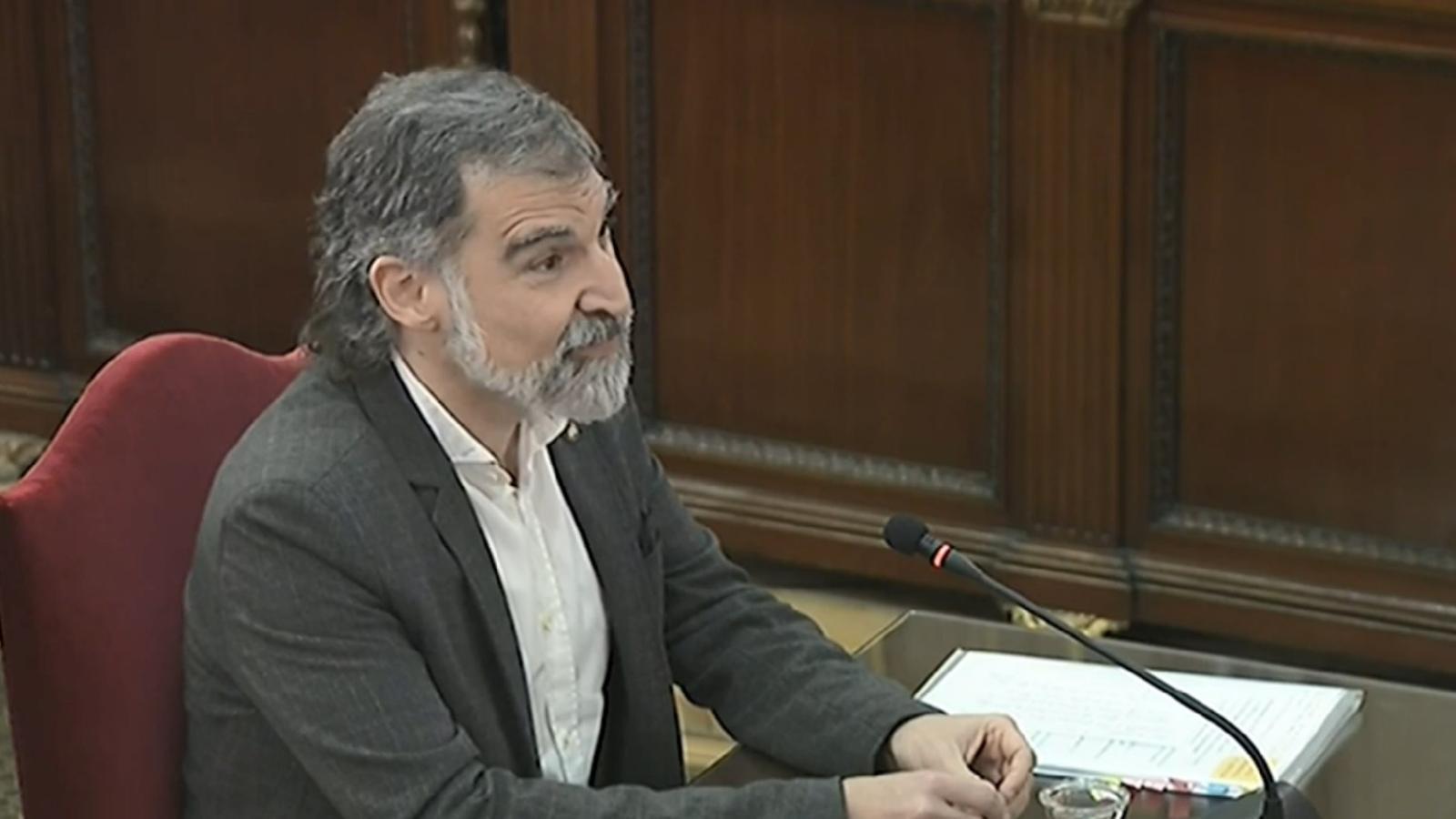 El president d'Òmnium, Jordi Cuixart, durant la declaració en el judici al Procés.