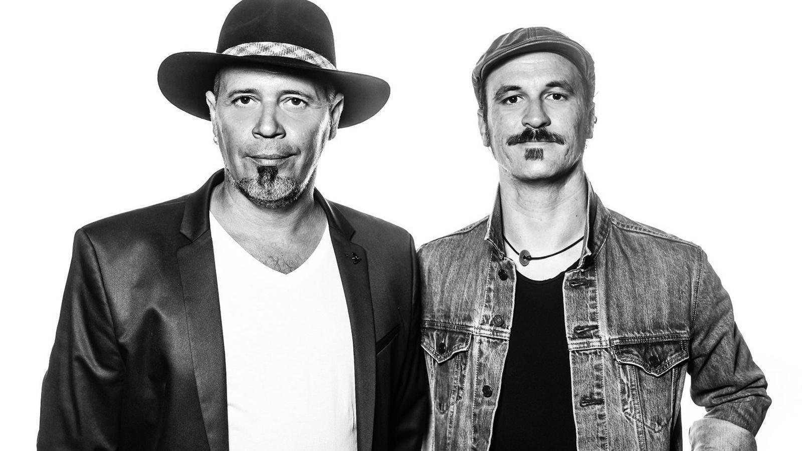 David Serra i Joan Barbé, el nucli creatiu de Projecte Mut, en una imatge promocional del disc La vida rima.