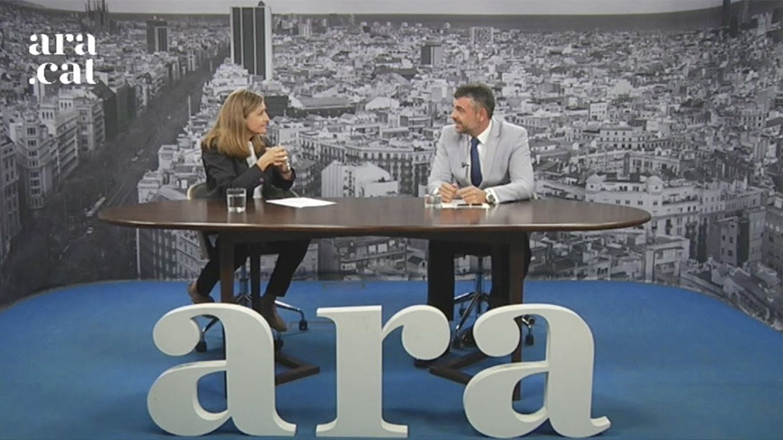 Entrevista d'Esther Vera a Santi Vila