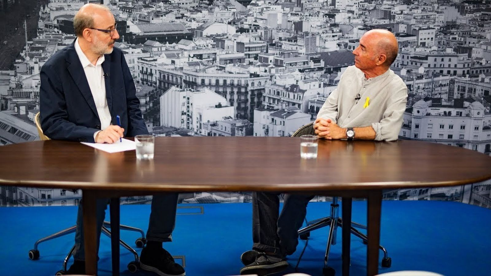 Entrevista d'Antoni Bassas a Lluís Llach