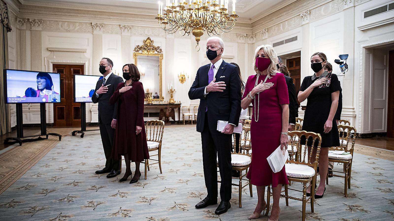 Biden va per feina i comença a esborrar el llegat de Trump