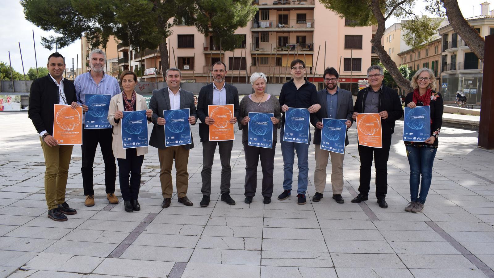 La presentació de la Fira de la Ciència i la Tecnologia s'ha presentat a la plaça Mallorca.