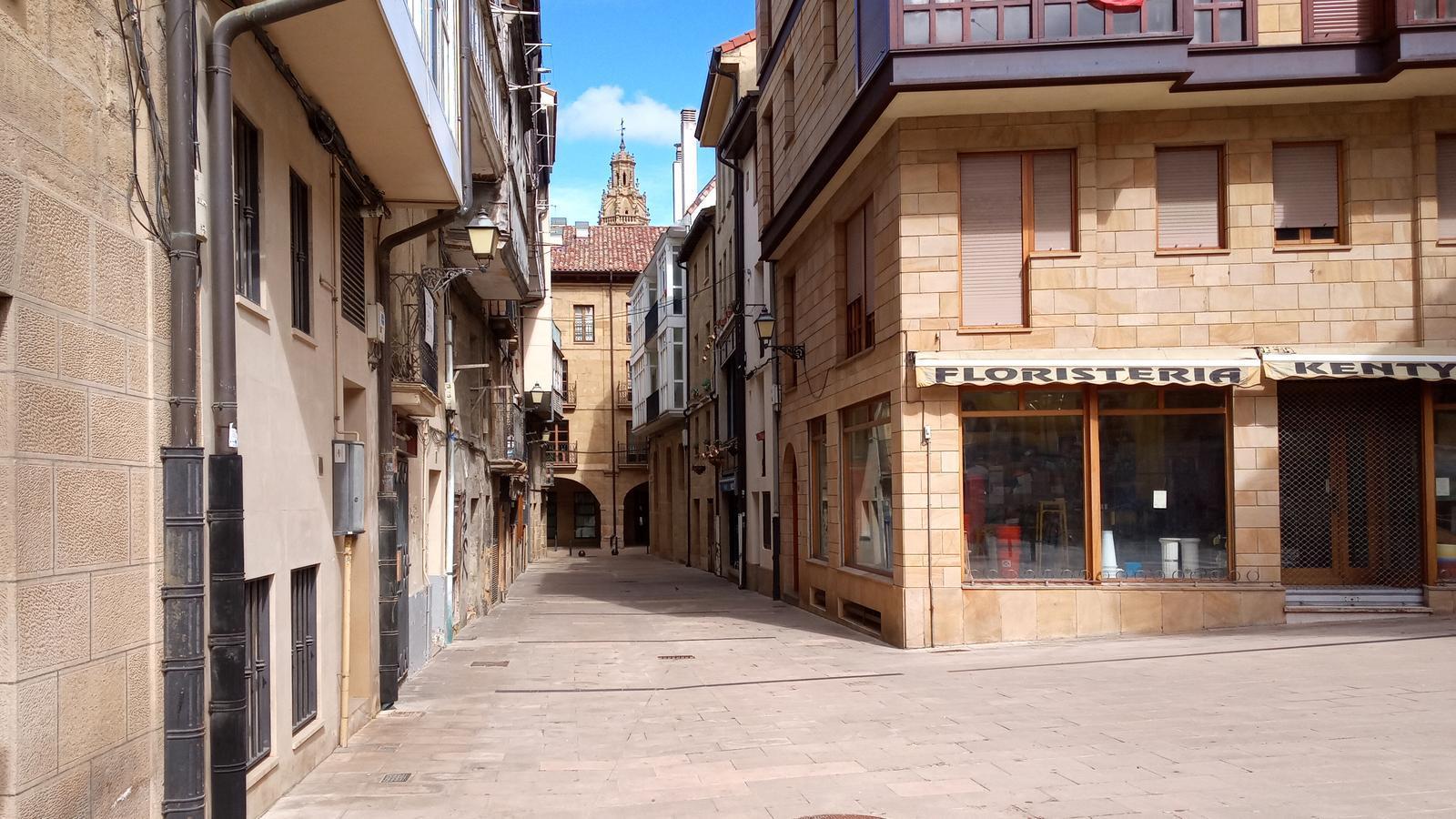 Carrers deserts al municipi d'Haro, a La Rioja.