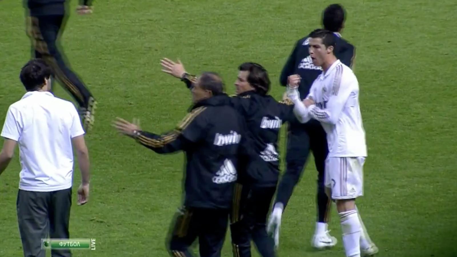 Cristiano li fa una botifarra a Javi Martínez amb el partit ja acabat