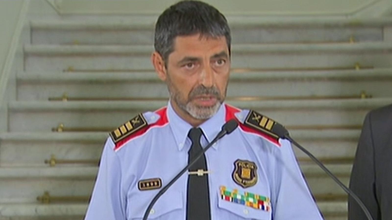 """Josep Lluís Trapero: """"L'explosió d'una casa a Alcanar està relacionada amb l'atemptat de Barcelona"""""""