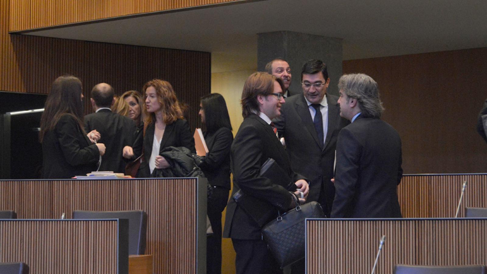 Consellers generals moments abans de l'inici de la sessió de Consell General. / M.F. (ANA)