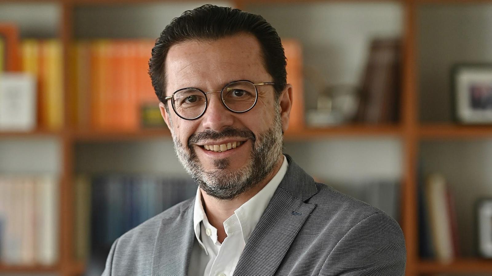 El conseller madrileny d'Hisenda, Javier Fernández-Lasquetty, durant una entrevista amb l'agència EFE
