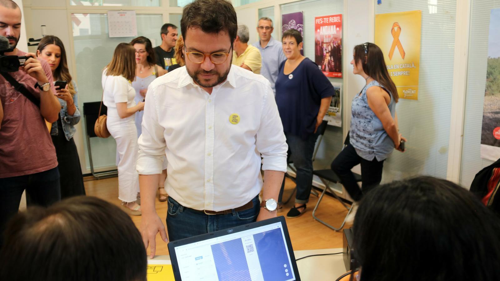 """Aragonès confia en un """"ampli suport"""" dels militants a la nova executiva d'ERC"""