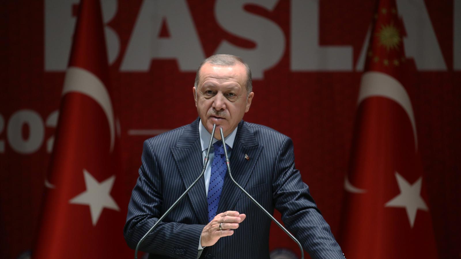 El president turc adreçant-se als membres del seu partit, aquest dijous a Ankara