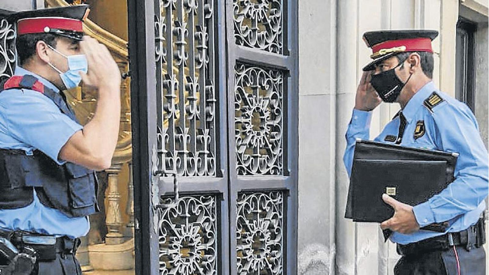 Trapero torna a liderar els Mossos i compareix aquest migdia; gairebé 600 malalts de covid-19 a les UCI; les eleccions del Barça, el 24 de gener: les claus del dia, amb Antoni Bassas (13/11/2020)