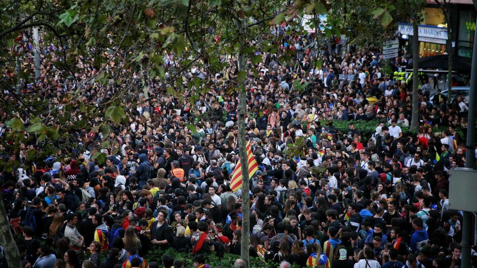 Els manifestants, a Gran Via / Marina