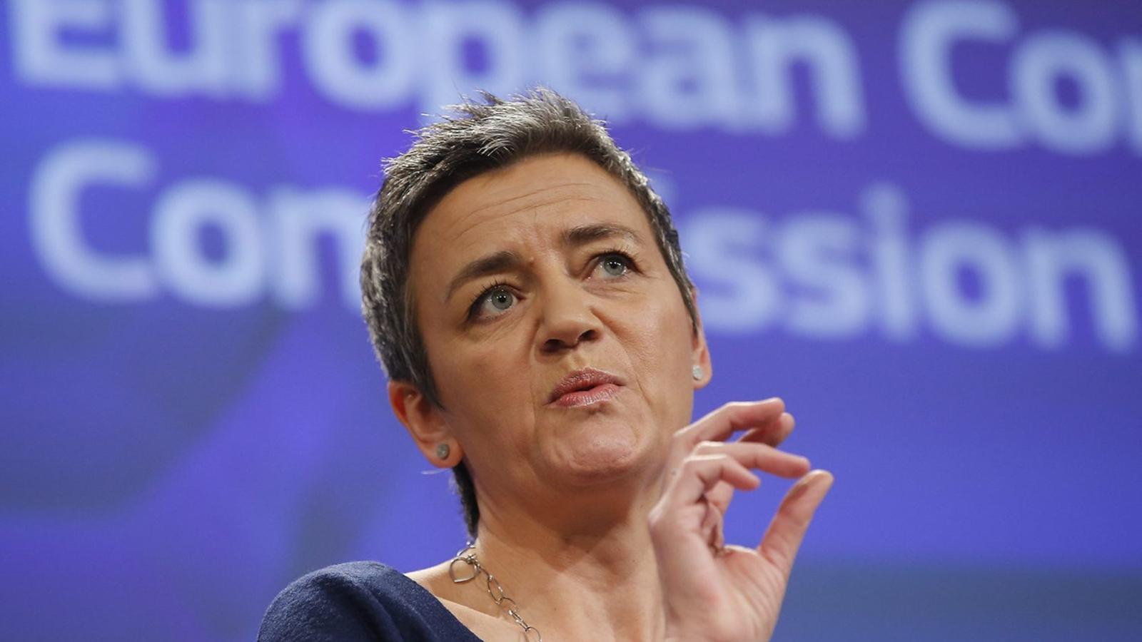 La comissària europea de Competència, Margrethe Vestager, estudia obrir un procés d'infracció a l'Estat per l'impost català a les grans superfícies comercials.