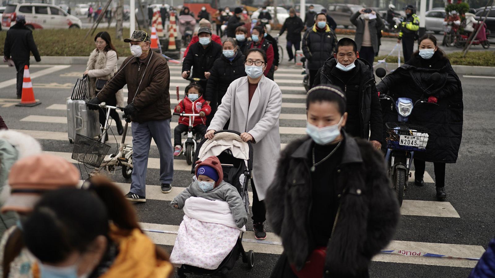 La Xina maniobra per negar l'origen del virus a Wuhan
