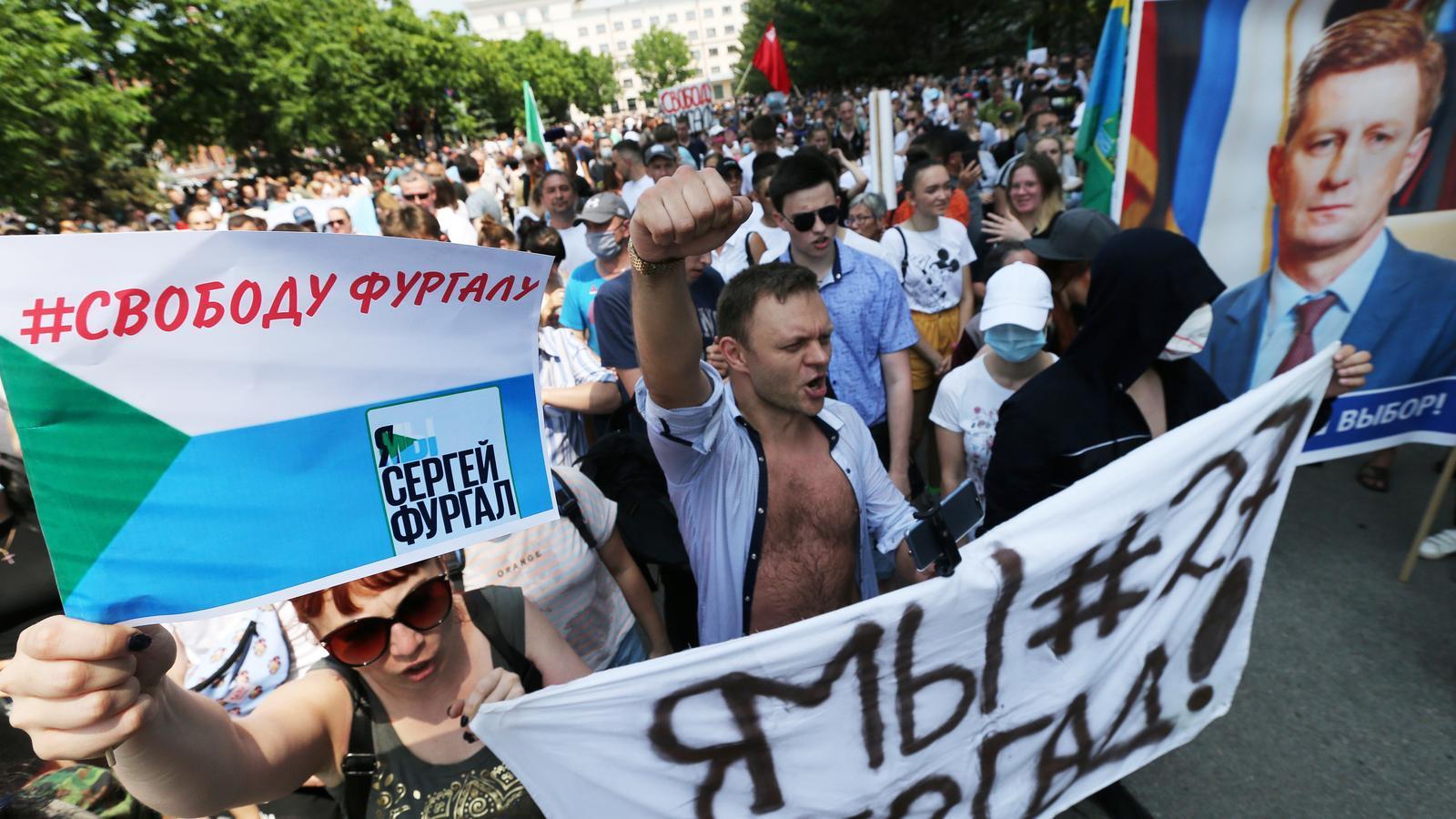 Moscou deté un governador regional opositor acusat d'ordenar assassinats fa 15 anys