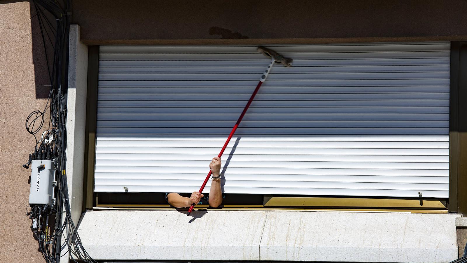 La burocràcia castiga  Les treballadores de la llar