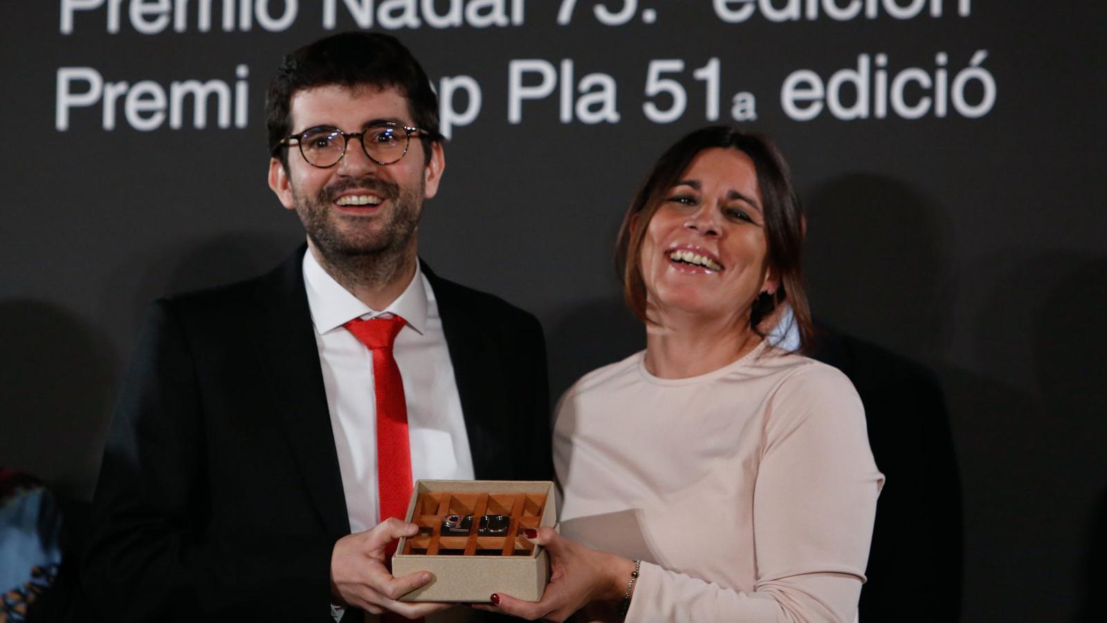 El prolífic Marc Artigau guanya el premi Josep Pla