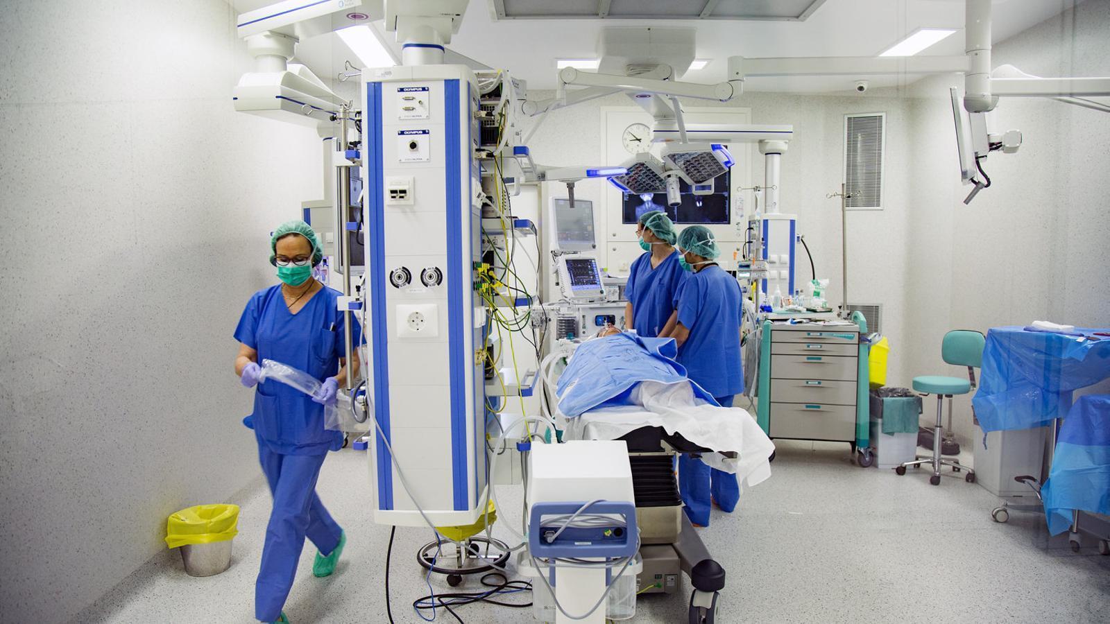 Les mesures s'apliquen als hospitals catalans per frenar les infeccions quirúrgiques.