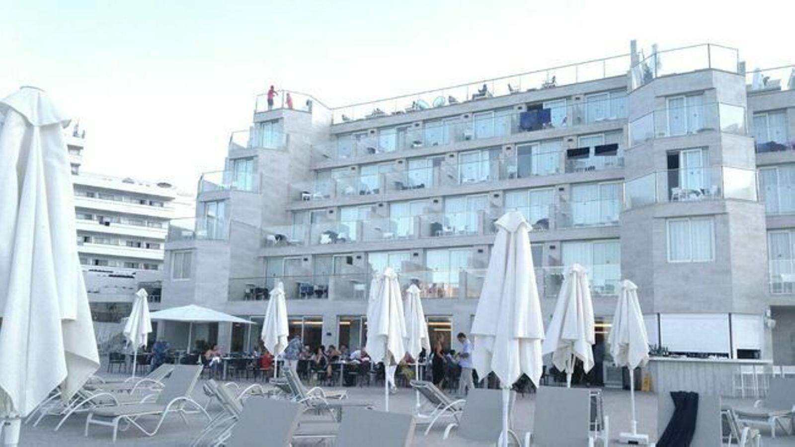 Un establiment hoteler a Cala Sant Vicenç (Pollença)