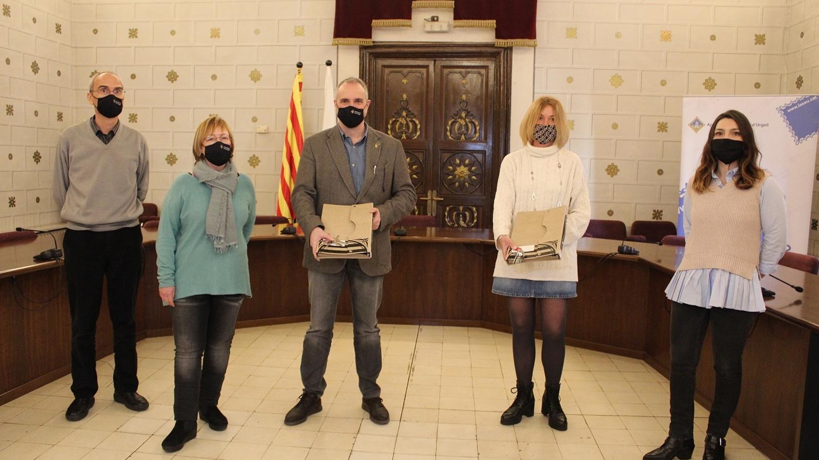 Un moment de l'acte de cessió de dos pisos a la Seu d'Urgell. / AJ. LA SEU