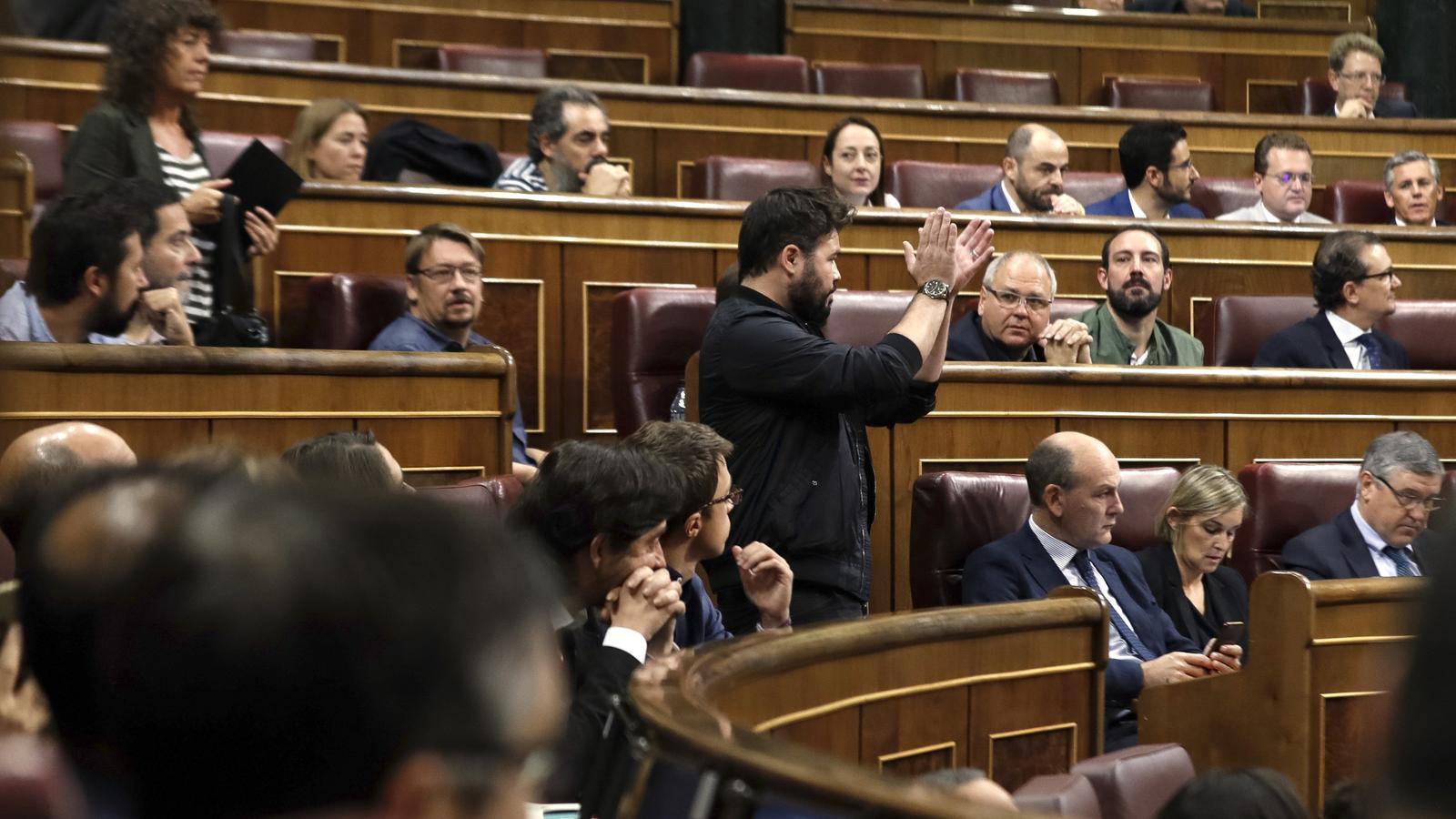 ERC, PDECat i En Comú Podem abandonen el Congrés amb indignació per l'operació de la Guàrdia Civil