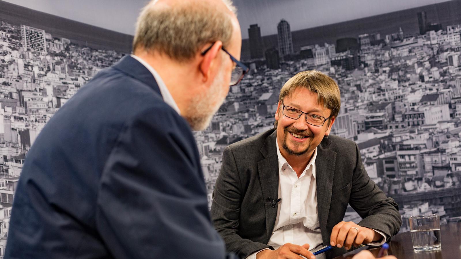 Entrevista d'Antoni Bassas a Xavier Domènech